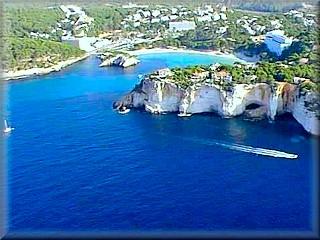 enlace a un gran book fotografico con vistas de los mejores paisajes y todos los rincones del pequño gran mundo de la isla de Menorca