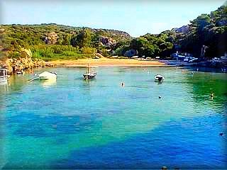 Canutells es la unica cala, playa del municipio de Mahón, en la costa sur de Menorca, Sa Mesqida y las del parque de Es Grao al noreste