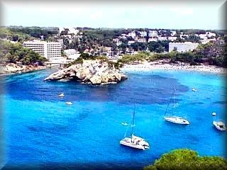 Cala Santa Galdana, dispone de varios miradores de la playa desde distintos puntos, a cual mas espectacular, es la playa  mejores vistas  de toda Menorca