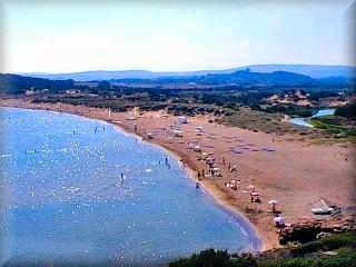 La playa de Cala Tirant, justo a la cuan s desarrollan dos Urbanizaciones, Cala Tirant y Playas de Fornells