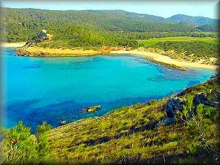 La playa virgen de Algaiarens en la ANEI de La Vall, norte Ciudadela de Menorca es de un belleza especial, y muy reconocida por los turistas