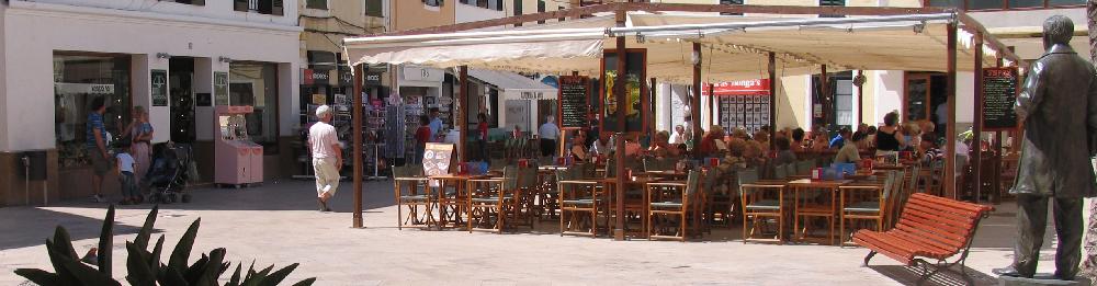 plaza de ses voltes en el cazco antiguo de Ciudadela, este es uno de los puntos mas emblematicos de la antigua capital de Menorca